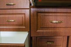 Houten meubilairvoorzijden met een handvat Stock Foto's