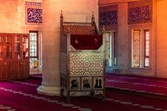 Houten minbar preekpreekstoel van Ottomanetijden royalty-vrije stock afbeeldingen