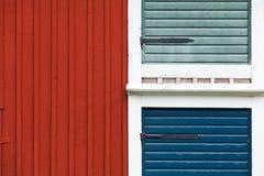 Houten muur in klassieke Skandinavische stijl Stock Fotografie