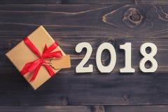 Houten nummer 2018, voor het nieuwe jaar 2018 op rustieke houten backgrou Stock Afbeelding