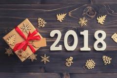 Houten nummer 2018, voor het nieuwe jaar 2018 op rustieke houten backgrou Stock Foto's