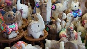 Houten olifant en de andere houten dieren royalty-vrije stock fotografie