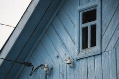 Houten oud huisvenster Stock Foto's
