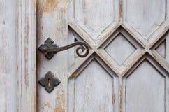 Houten oude kerkdeur Royalty-vrije Stock Foto's