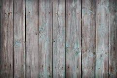 Houten Palissadeachtergrond Sluit omhoog van grijze en groene houten omheiningspanelen Stock Afbeelding