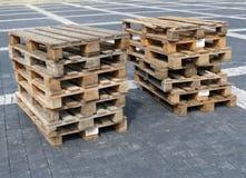 Straatstenen op een houten pallet stock foto afbeelding 62633040 - Foto houten pallet ...