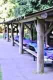 Houten picknicklijst Royalty-vrije Stock Foto's