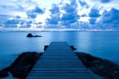 Houten pijler bij het strand Royalty-vrije Stock Afbeeldingen