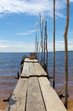 Houten pijler en zandstrand op de Rivier van Amazonië in Manaus, Brazilië Royalty-vrije Stock Foto