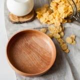 Houten plaat en ontbijt Stock Fotografie