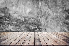 Houten plank of houten vloer met de textuur van de achtergrond cementmuur gebruik voor productvertoning stock foto