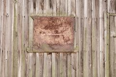 Houten planken als achtergrond van oud huis, oud behandeld hout stock foto