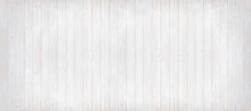 Houten planken lichtgrijs met verticale lijnen, panoramaformaat Stock Afbeeldingen