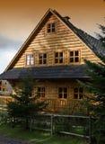 Houten plattelandshuisje Stock Foto's