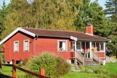 Houten plattelandshuisje Stock Afbeelding