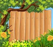 Houten raad in de tuin Stock Foto's