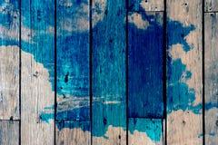 Houten raad en hemel, Verf, Dubbele Retro blootstelling, Stock Foto's
