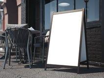 Houten raad op heldere straat het 3d teruggeven Stock Fotografie