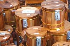 Houten spaarvarken stock afbeelding