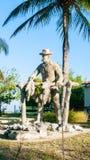 Houten standbeeld van tabaksproducent Cuban stock afbeelding