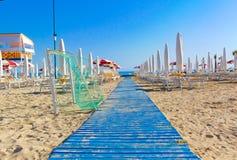 Houten steeg aan het strand royalty-vrije stock fotografie