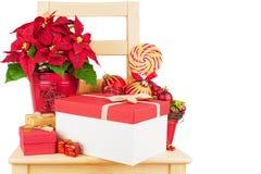 Houten stoel met Kerstmisdecoratie Royalty-vrije Stock Foto
