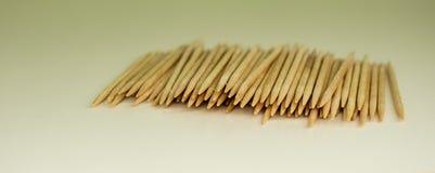 Houten tandenstokers stock afbeelding
