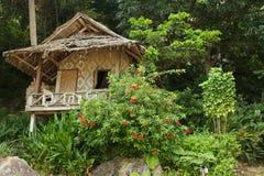Houten toevlucht in tropisch eiland royalty-vrije stock foto's
