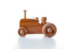 Houten tractor over wit royalty-vrije stock foto