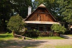 Houten Tsjechisch plattelandshuisje Royalty-vrije Stock Afbeelding