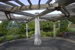 Houten tuinpaviljoen Royalty-vrije Stock Afbeeldingen