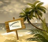 Houten uithangbord op idealistisch tropisch strand Stock Afbeeldingen