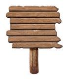 Houten uithangbord Oude die verkeersteken van hout worden gemaakt Royalty-vrije Stock Foto's