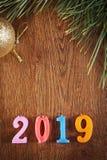 Houten vakantieachtergrond van Gelukkig Nieuwjaar 2019 Stock Afbeelding