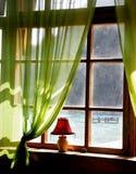 Houten venster met overzeese mening Stock Foto