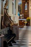 Houten venster van biechtdoos bij kerk royalty-vrije stock afbeelding