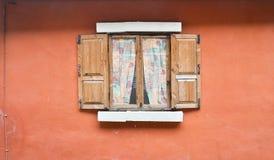 Houten vensters Royalty-vrije Stock Afbeelding