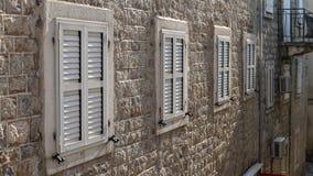 Houten vensters Stock Afbeeldingen