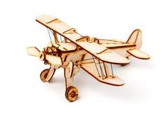Houten vliegtuigmodel op witte achtergrond Royalty-vrije Stock Fotografie