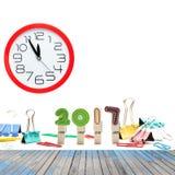 Houten vloer met het jaar van 2017 dat van Houten klemmen en Paperclip wordt gemaakt Stock Afbeelding