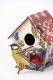 Houten vogelhuis Stock Afbeeldingen