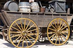 Houten wagen met vaten in Mexico Stock Foto's