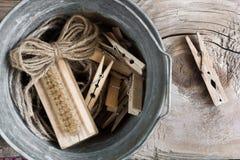 Houten wasknijpers Stock Foto's