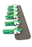 Houten wasknijpers die met libellen worden verfraaid Royalty-vrije Stock Fotografie