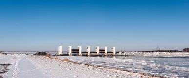 Houtribsluizen i vintertid Arkivfoto