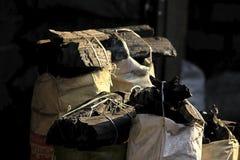 Houtskool klaar om worden verkocht als fue stock foto's