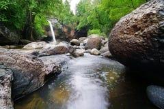 Houw Su Wat waterval in Thailand Royalty-vrije Stock Foto's