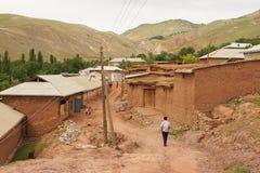 Hovel dell'argilla, montagne di Hissar, l'Uzbekistan fotografia stock