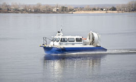 Hovercraft op het water Royalty-vrije Stock Foto