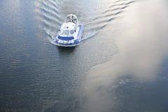 Hovercraft sull'acqua Fotografia Stock Libera da Diritti